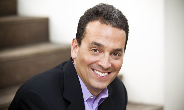 The Truth Behind What Motivates Us, According To Daniel Pink
