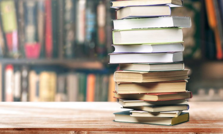 10 Books Every College Student Should Read Before Graduation