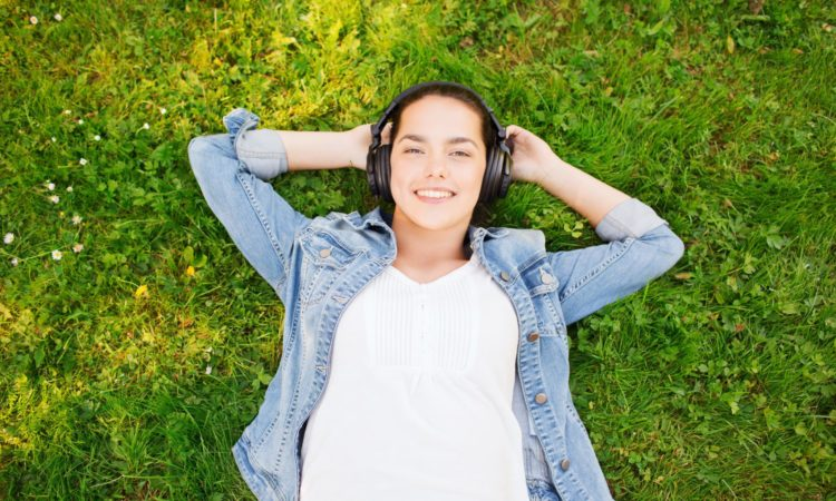 5 Best Podcasts For College Students (Updated 2019)